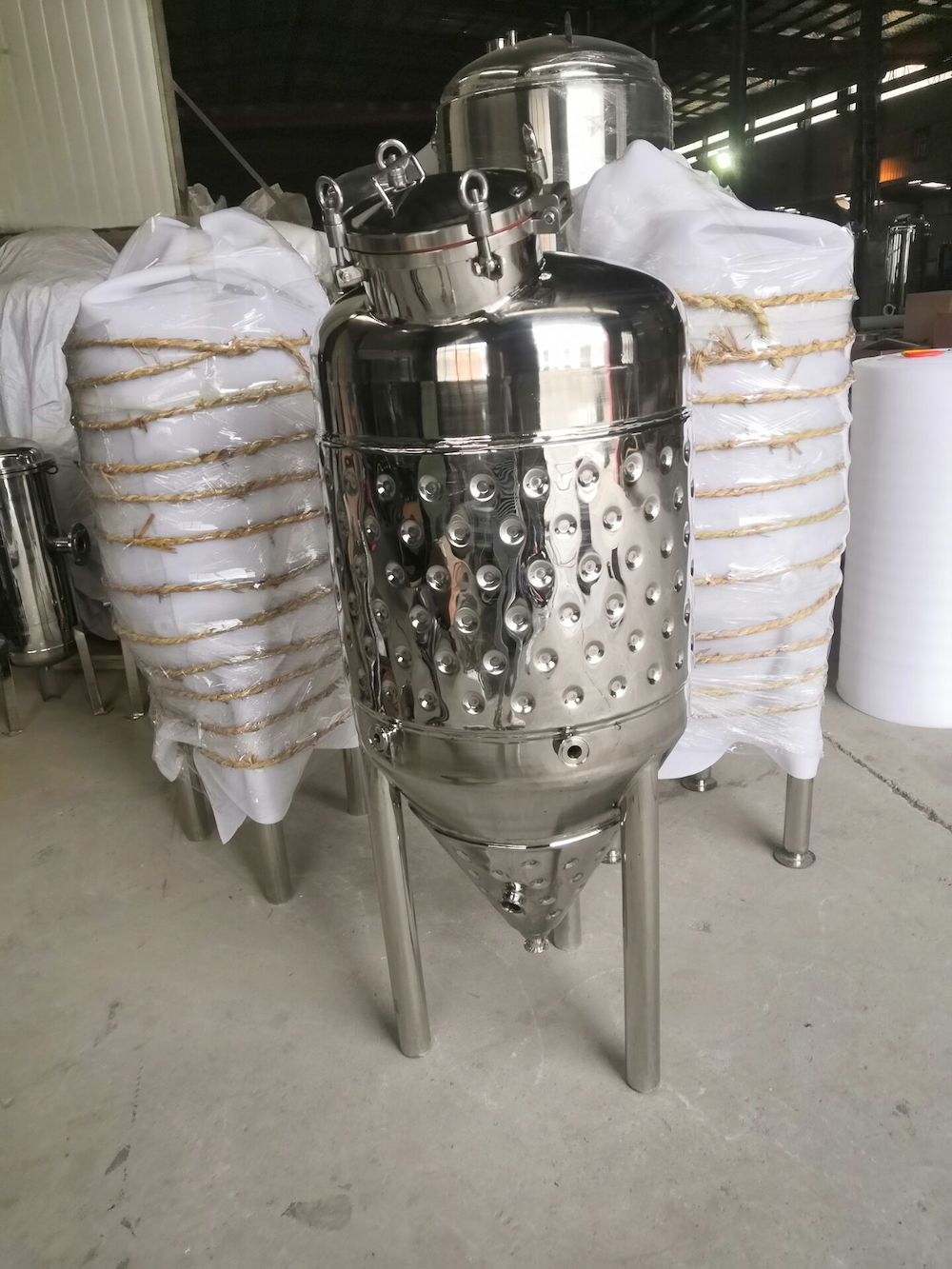 250L Double Wall  2 Bar Brew Conical Beer Fermentation Tanks Micro Brewery Fermentation Tank. Wine Fermenter Stainless Steel 304