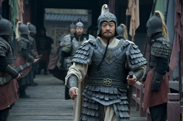 三国时期的孙坚是个什么样的人?单挑群盗,儿子称帝
