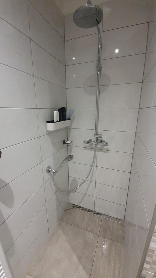 Wall Mounted Bathroom Shelf with Towel Rack photo review