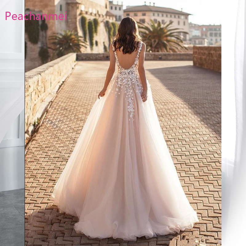2019 Graceful V Neck Beach Wedding Dresses Backless Handmade Floral Appliqued Lace Bridal Gowns Tulle vestido de novia Plus size in Wedding Dresses from Weddings Events