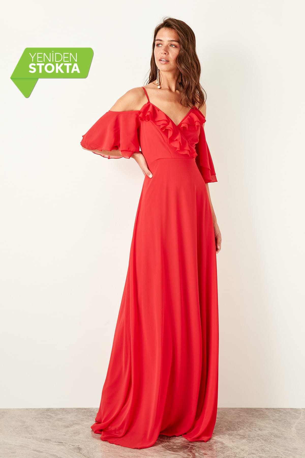 Trendyol Shoulder Low-Cut Evening Dress TPRAW19FZ0022