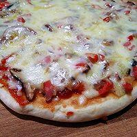 平底锅+炭炉子=披萨的做法图解1