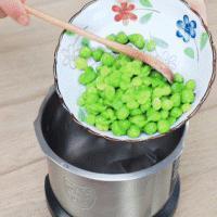 豌豆蛋黄泥的做法图解3