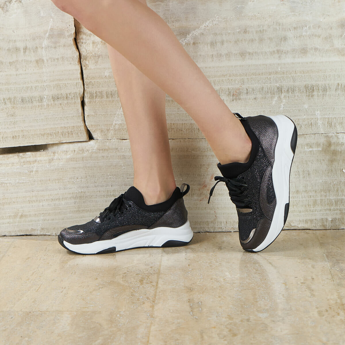 FLO PELO06Y SKIN Silver Women Shoes BUTIGO