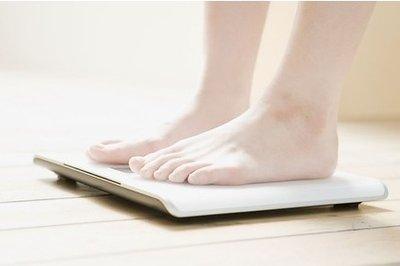 人到中年容易发胖应该如何控制体重-养生法典