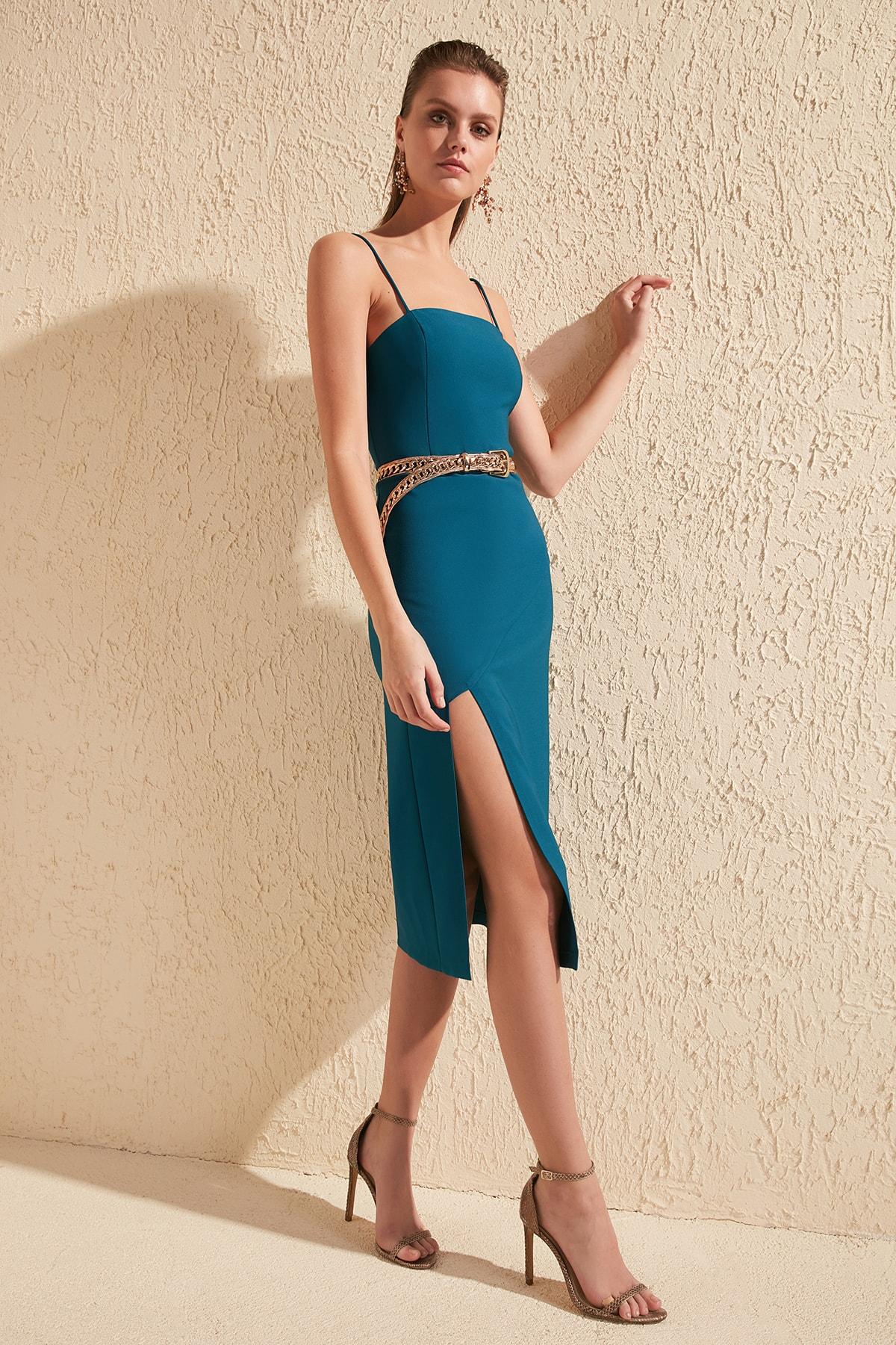 Trendyol Slash Detail Dress TPRSS20EL0339