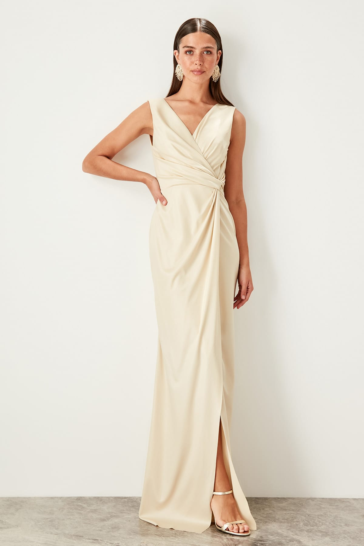 Trendyol Loop Detailed Evening Dress TPRSS19UZ0071