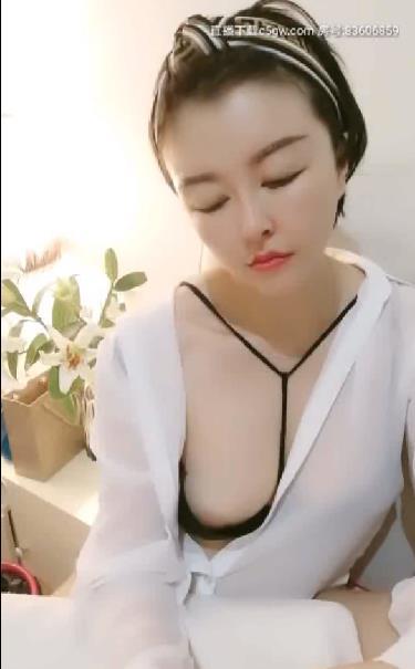 尾巴小47 漂亮美女欲女诱人露出LN