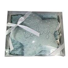 Blanket + star cushion unisex for baby. Poliéster100 %. Kottao from Spain