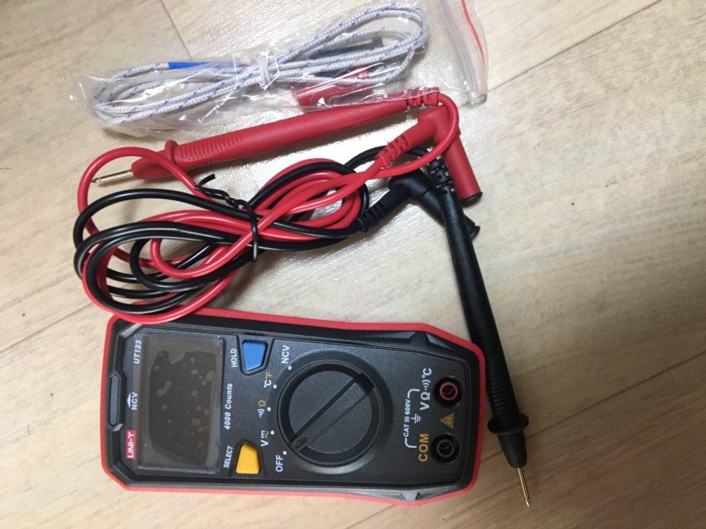 Mini Digital Multimeter Auto Range Data Hold 4000 Counts Voltage Resistance Temperature Meter Tester With NCV UNI-T UT123
