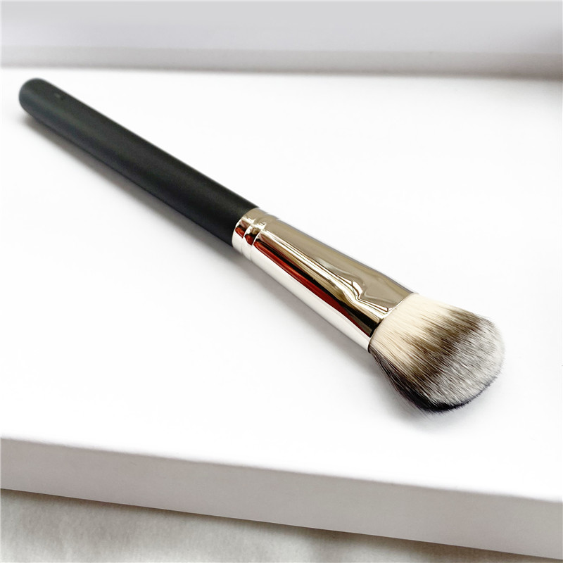 The Split Fibre Cheek Blending/Contouring Brush #128 - Dense Round Foundation Blush Powder Contour Beauty Makeup Brush