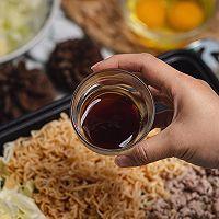 超级好吃的泰式小吃猪肉末炒方便面的做法图解9