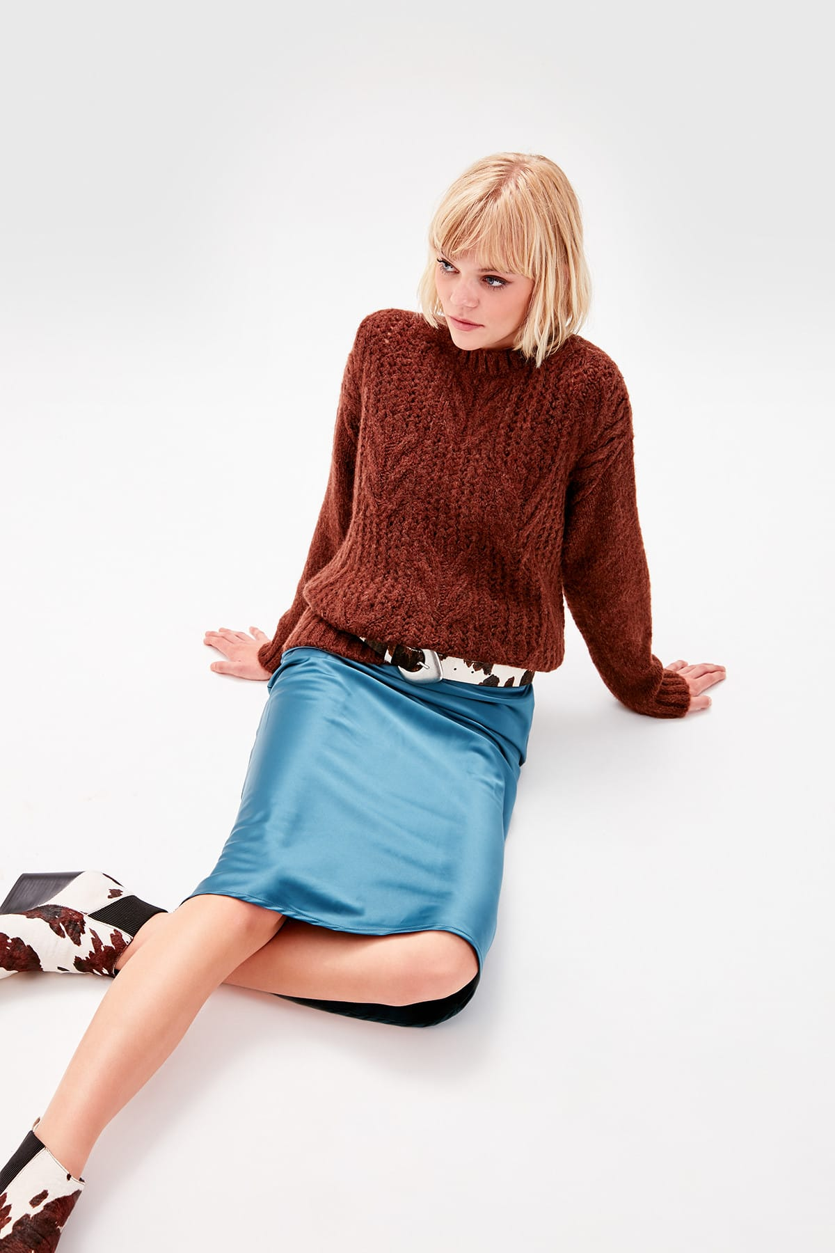 Trendyol WOMEN-Brown Braid Detailed Knitwear Sweater TWOAW20NV0009