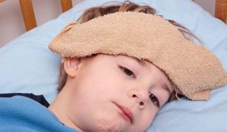 儿童在天气热时候出门中暑的症状与解决办法-养生法典
