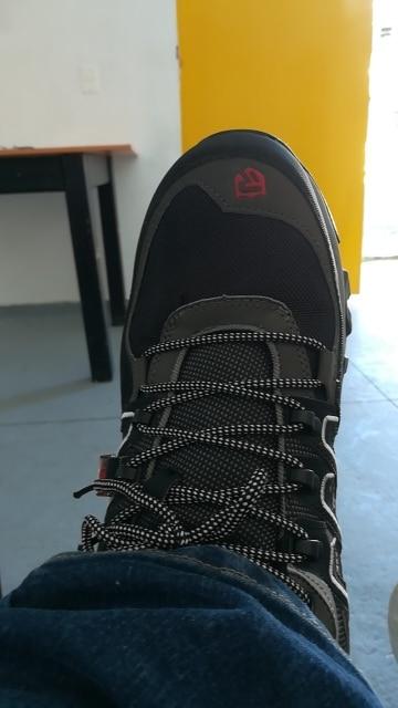 -- Reflexivo Casual Sneaker