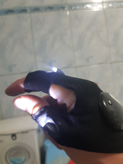 LED Gloves with Waterproof Lights - giftpockets photo review