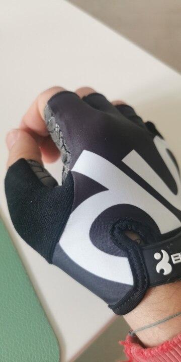 Cracks Print Sports Gloves photo review