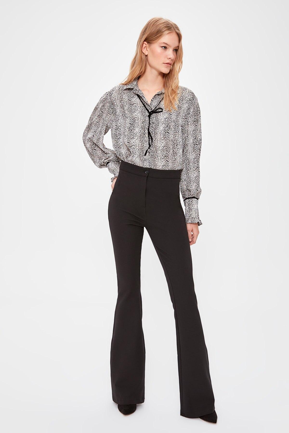 Trendyol Spanish Bell-Bottomed Pants TWOAW20PL0576