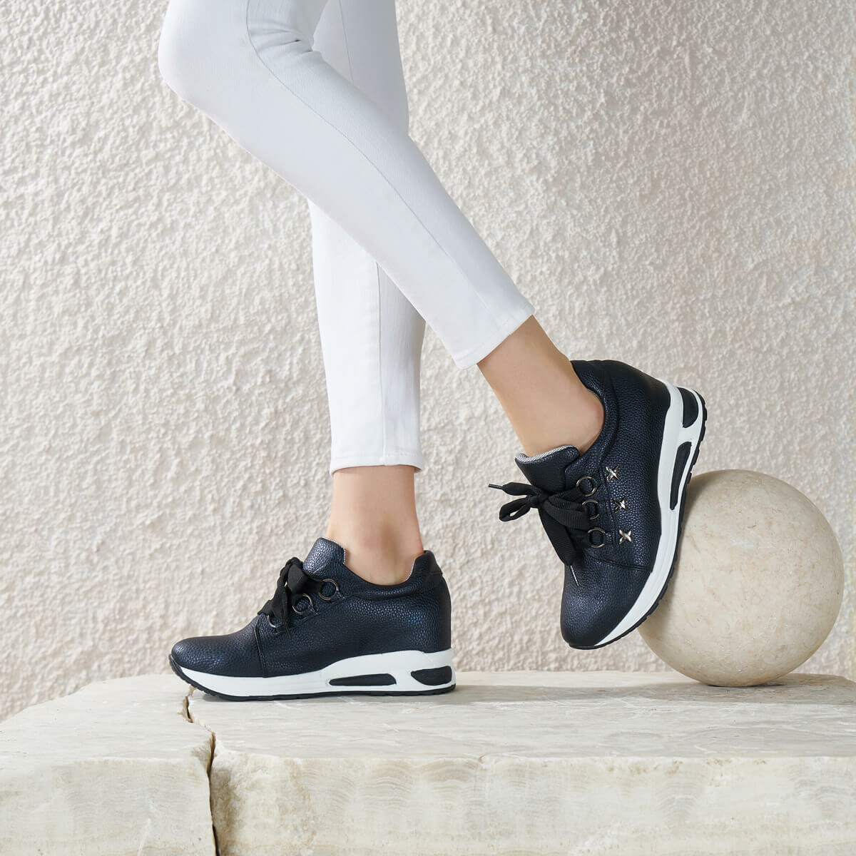 FLO TARAT85Z SKIN Black Women Shoes BUTIGO