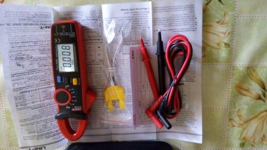 Multímetro auto de la gama de capacitancia Medición de temperatura multímetro de la abrazadera de AC / DC Tensión Corriente mult