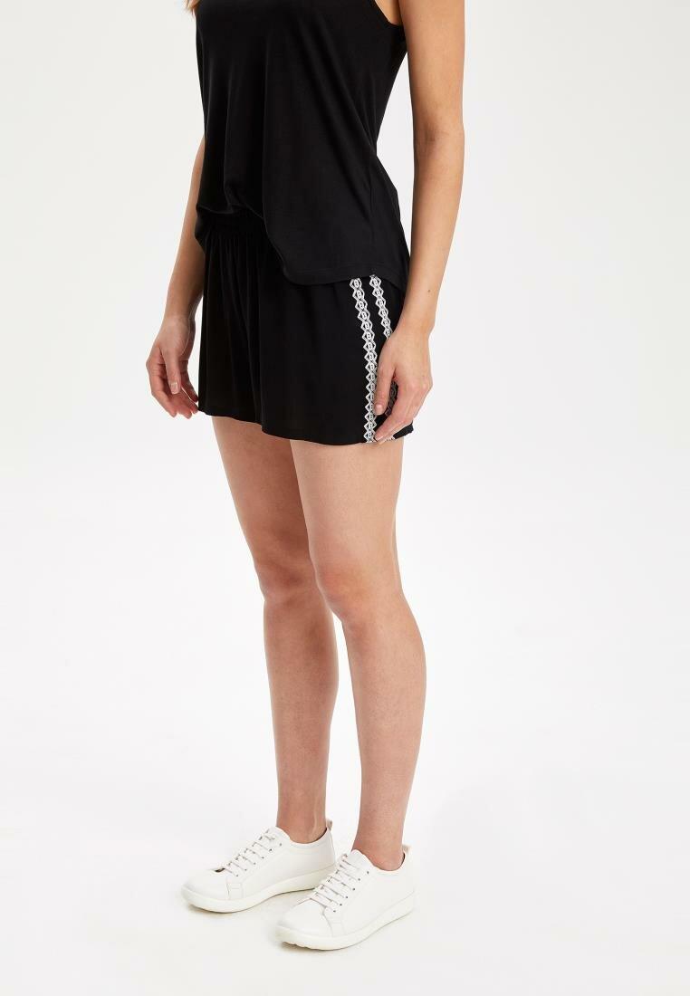 DeFacto Woman Summer Casual Shorts Women Black Elastic Short Bottoms Female White Striped Woven Swimming Short-K3803AZ19SM