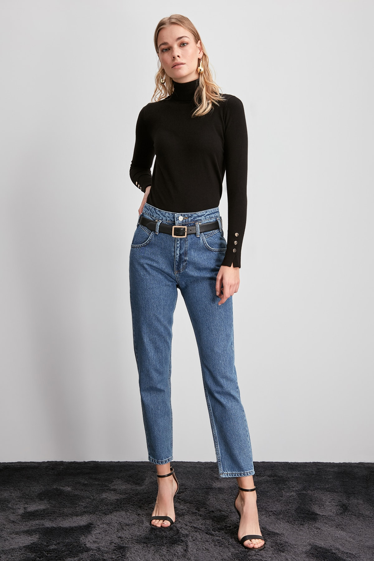 Trendyol High Bel Mom Jeans TWOAW20JE0295