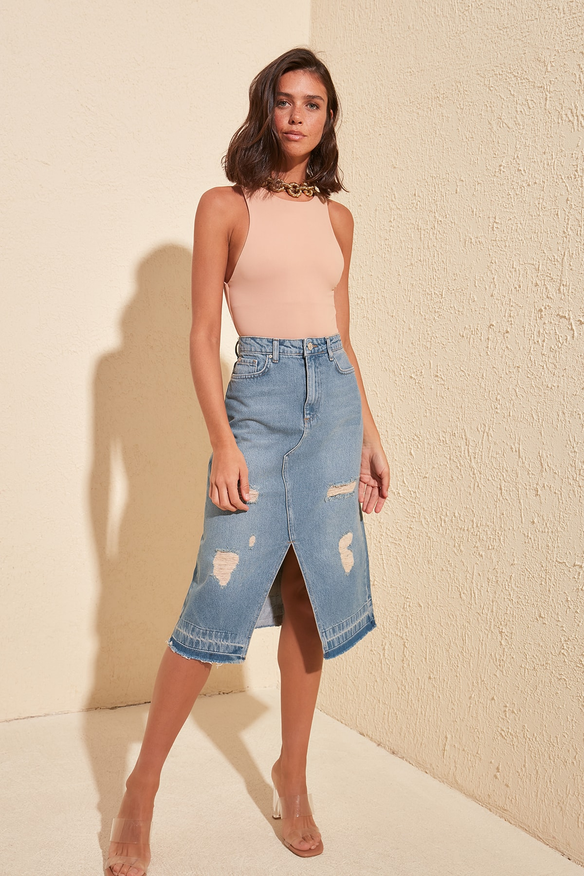 Trendyol Ripped Detailed Denim Skirt TWOSS20ET0286