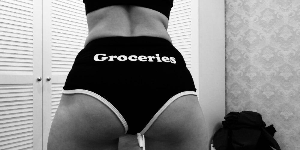-- Shorts Estampación Ribete