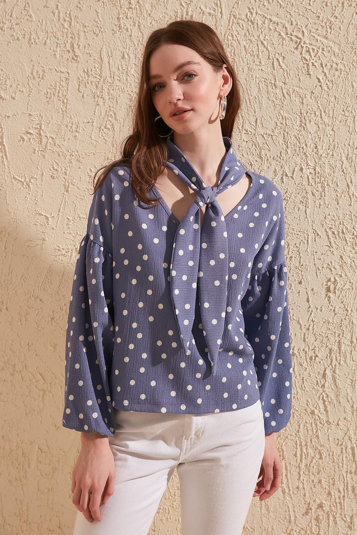 Trendyol Polka Dot Pattern Knitted Blouse TWOSS20BZ0184
