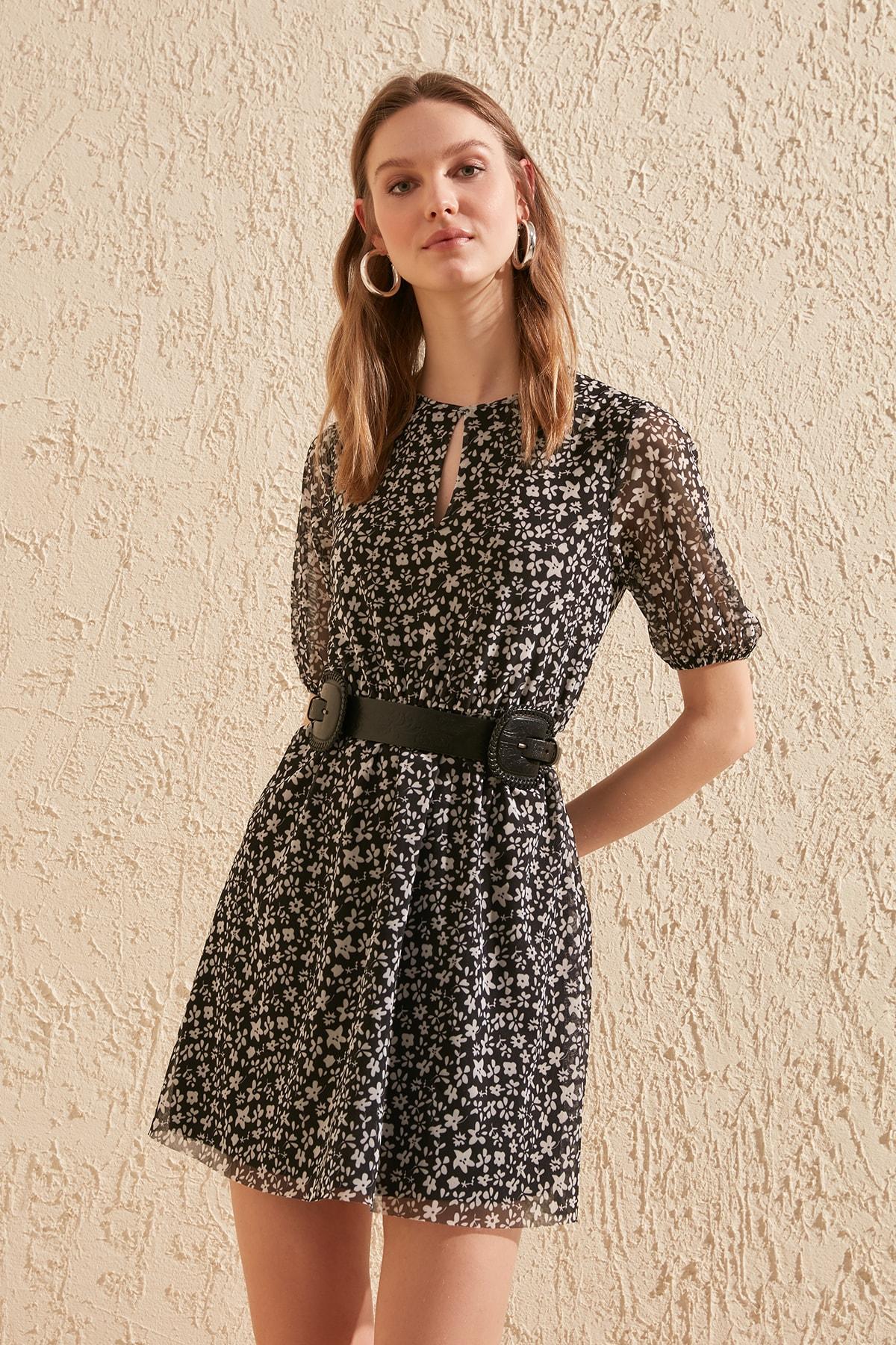 Trendyol Flower Patterned Knitted Dress TWOSS20EL1632