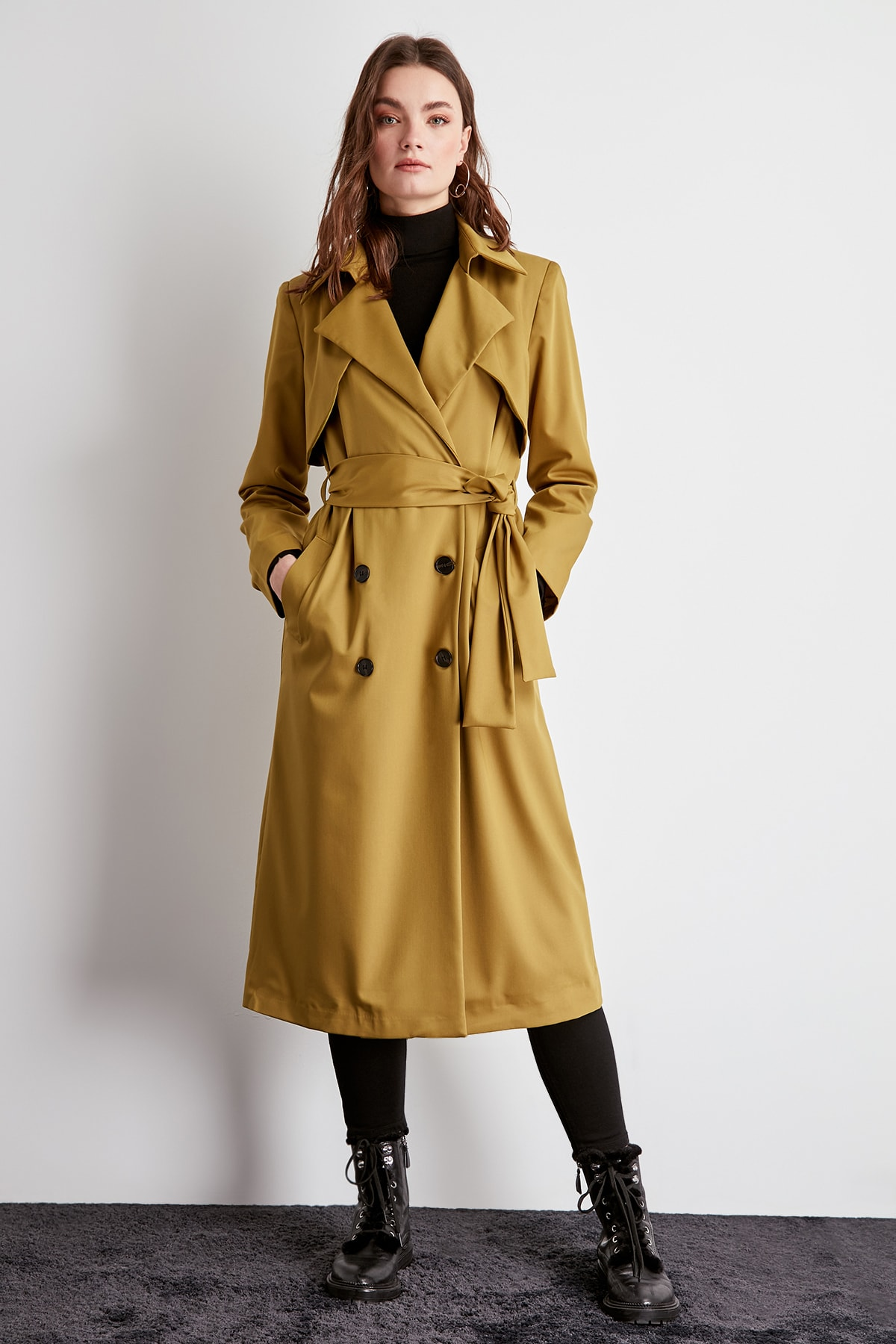 Trendyol Arched Button Closure Long Trench Coat TWOSS20TR0006