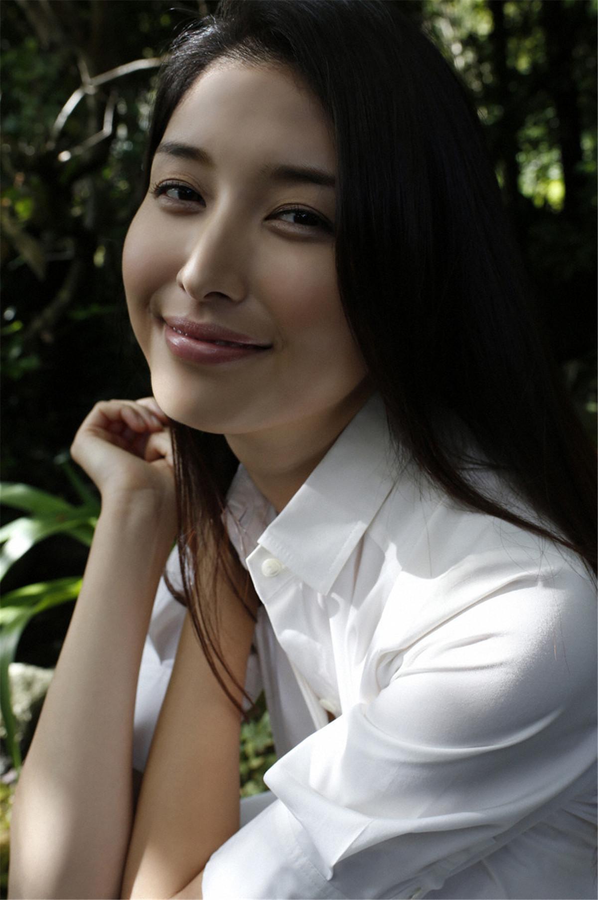 日本女星写真 桥本爱实 写真杂志作品合集[10套][1549P][5.8G]插图1