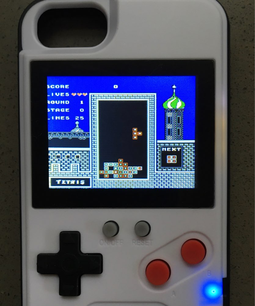 Capinha de iPhone com Game Boy photo review