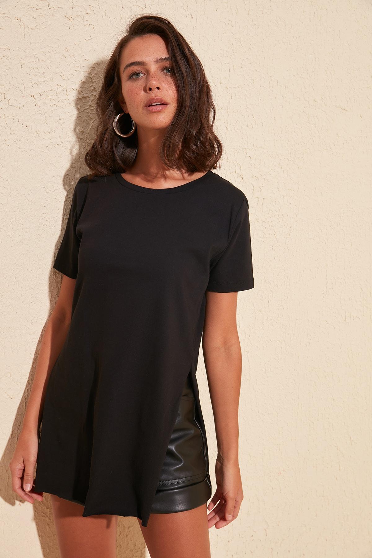 Trendyol Asymmetrical Knitted T Shirt TWOSS20TS0829