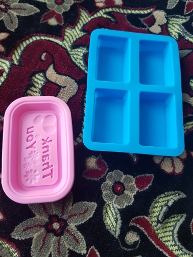 South Korea's Small Natural Soap and Handmade Silicone Mold photo review