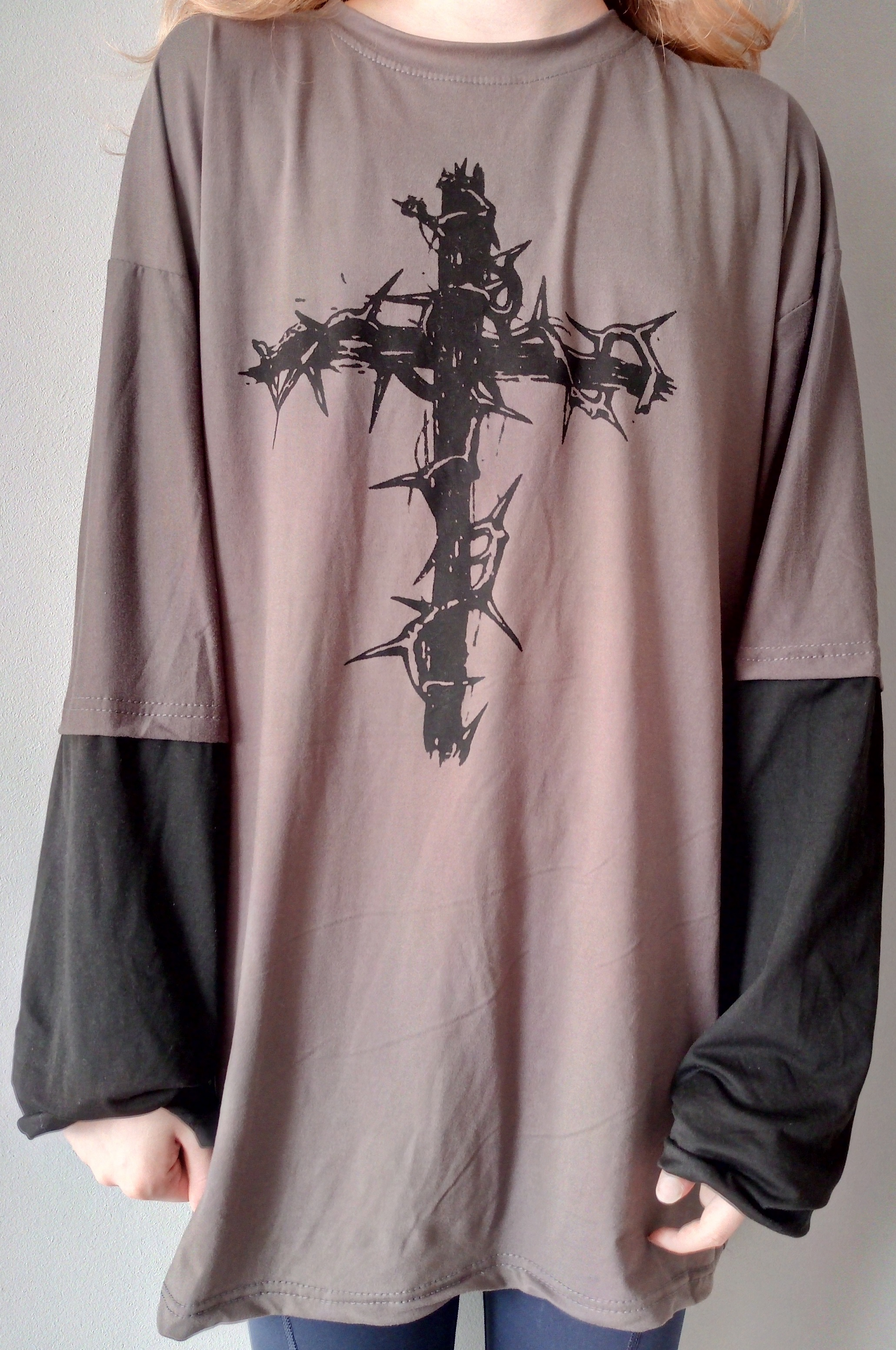 T-shirt Cross of Thorns with fake two-piece long-sleeves photo review