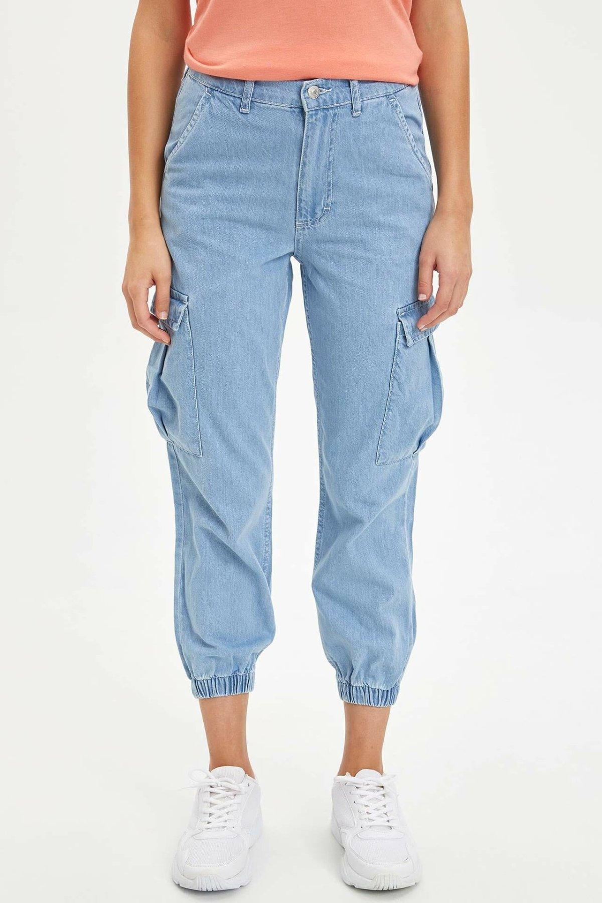 DeFacto Woman Summer Blue Denim Jeans Women Casual Loose Ninth Denim Pants Women Pocket Decors Denim Trousers-L3662AZ19SM