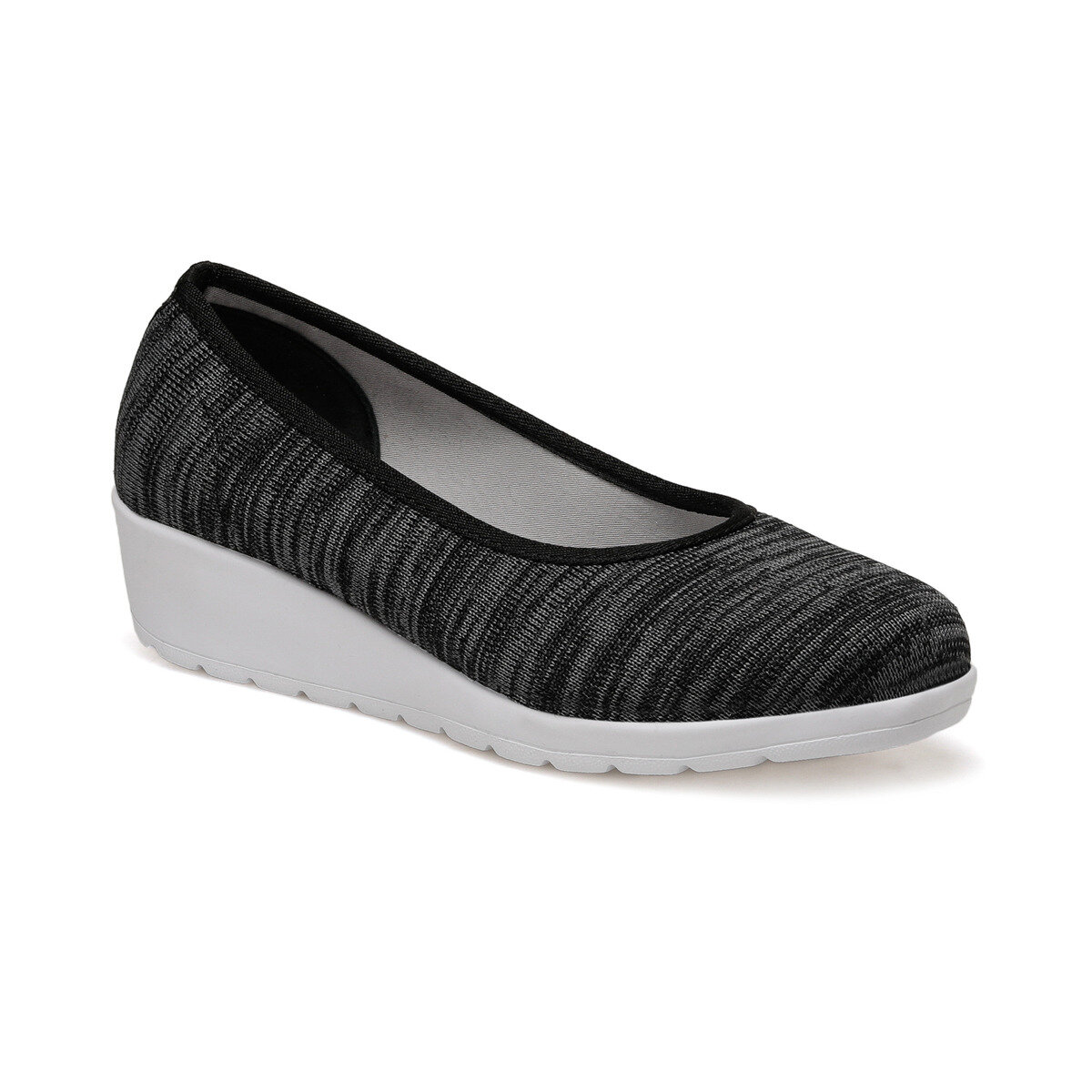 FLO 91. 150713.Z Black Women Shoes Polaris