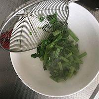 芹菜炒胡萝卜的做法图解5