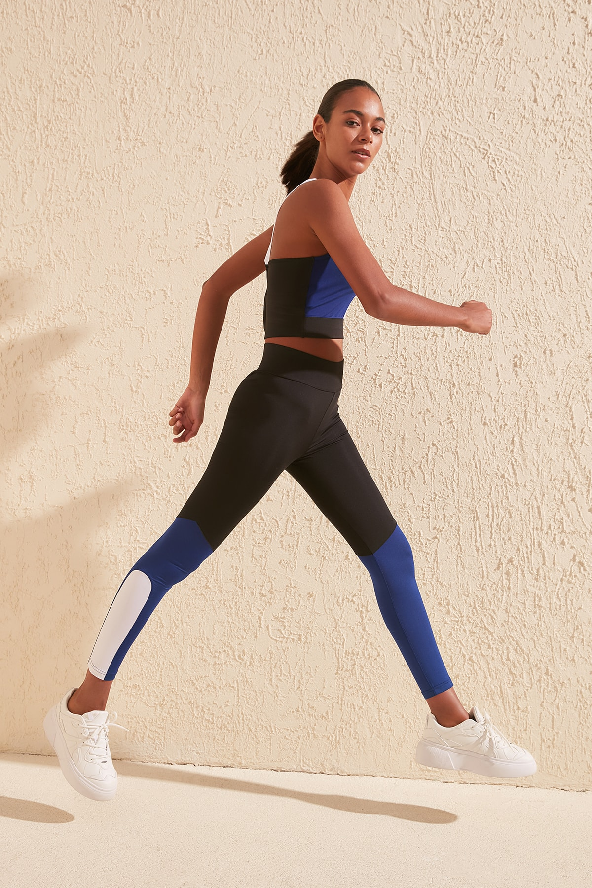 Trendyol With Color Block Sports Leggings TWOSS20TA0104