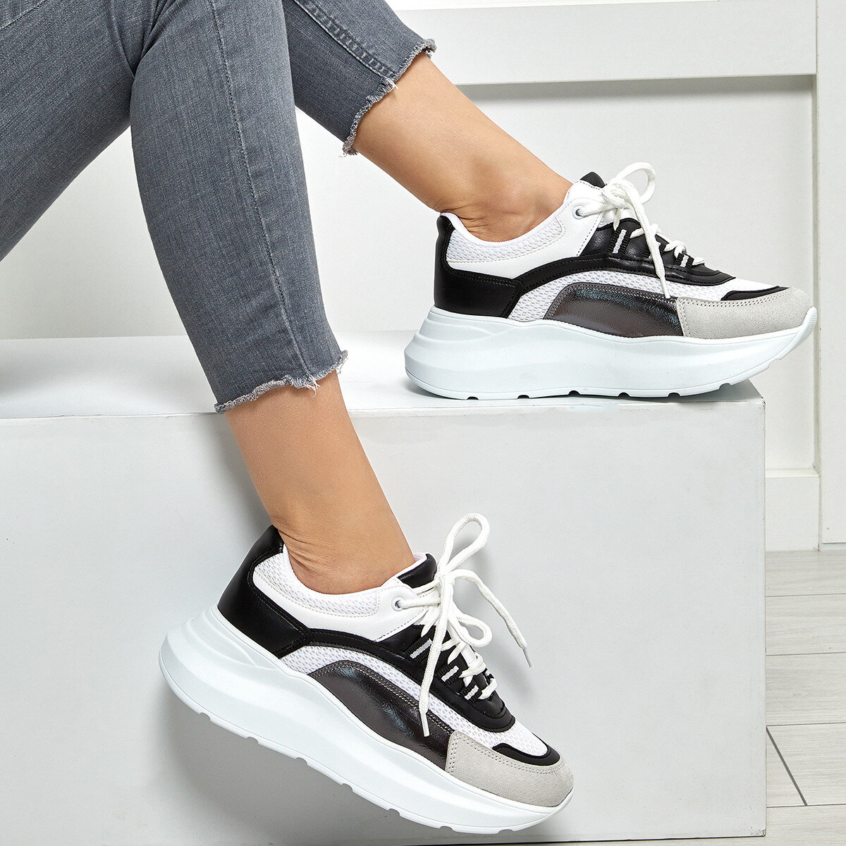 FLO 19SF-2059 White Women 'S Sneaker Shoes BUTIGO