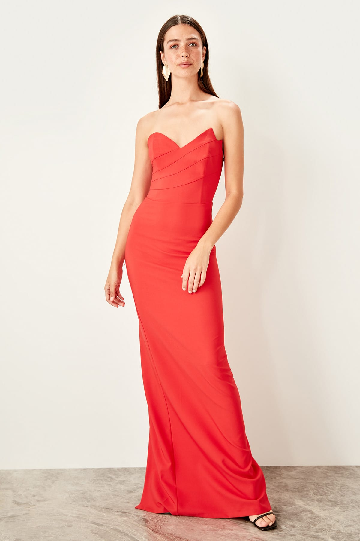 Trendyol Strapless Evening Dress TPRSS19AE0026