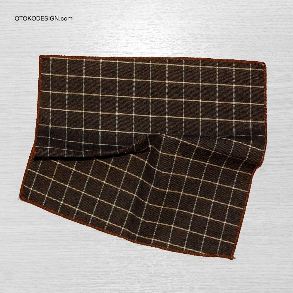 Shawl In A Gray Check Jacket Pocket (50982)
