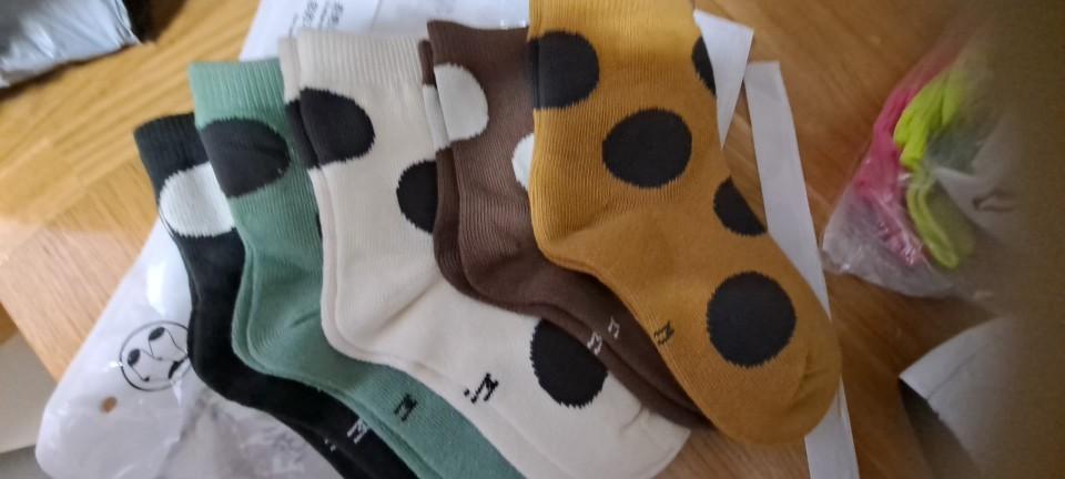 5-Pair Pack Boy Socks Cotton Socks Girl's Socks Autumn and Winter Big Polka Dot Color Matching Socks Children's Cotton Socks photo review