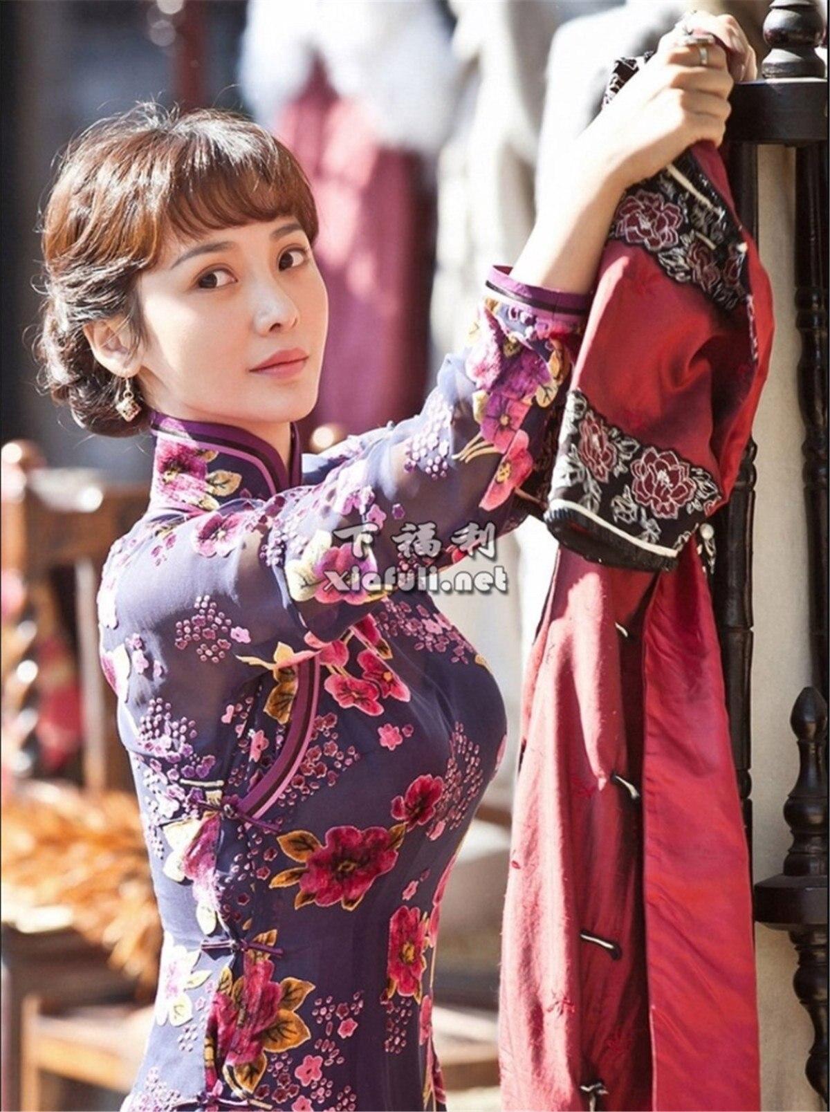 当娱乐圈女星穿上旗袍,你觉得谁最好看 ?插图16