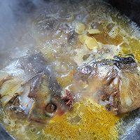 白玉菇海带鱼头汤的做法图解7