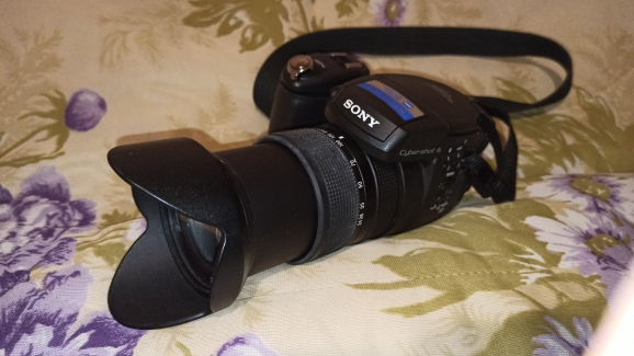 -- Lightdow Telefoto 18-135mm