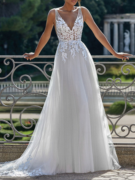 Simple Wedding Dress 2020 A Line V Neck Straps Sleeveless Lace Appliqued Tulle Bridal Gown