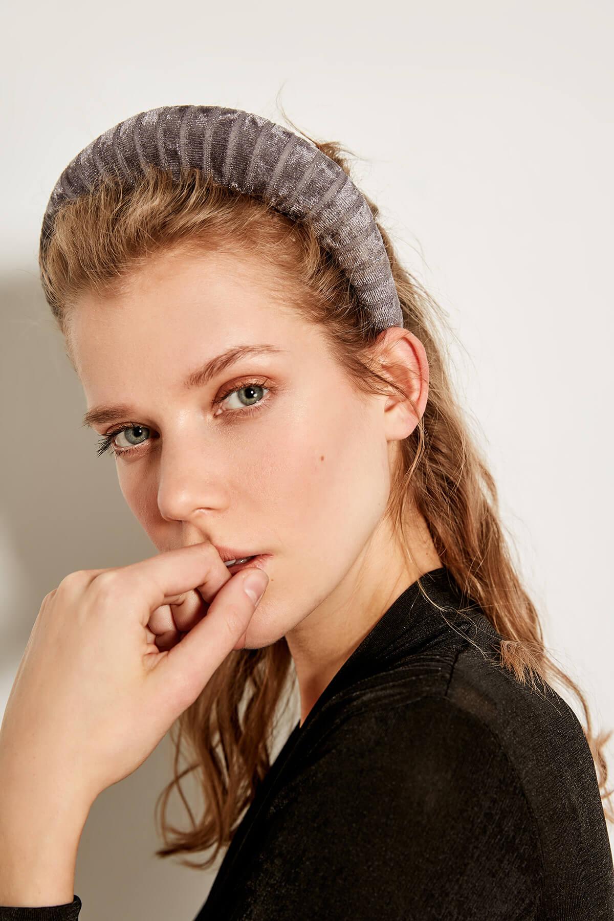 Trendyol серый люрекс бархат корона аксессуары для волос TWOAW19AL0004 один размер