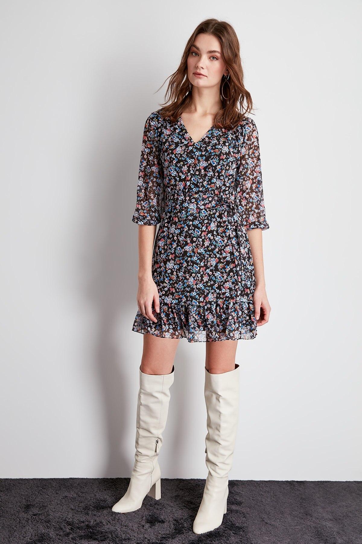 Trendyol Belted Dress TWOSS20EL1017